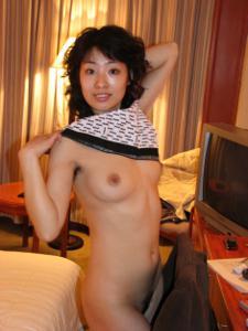 Секс с волосатой азиатской девушкой - фото #23