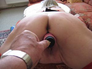Зрелая Эрика пытается возбудить мужа позированием - фото #13