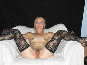 Белокурая Катрина в сексуальном наряде - фото #13