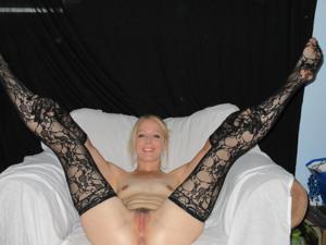 Белокурая Катрина в сексуальном наряде - фото #15