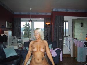 Зрелая фитоняшка из Норвегии не может остановиться - фото #13