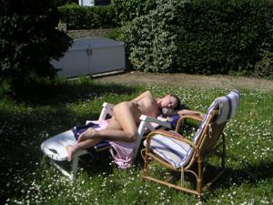 Худая француженка в разном белье и без оного - фото #33