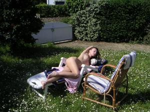 Худая француженка в разном белье и без оного - фото #34