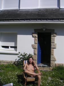 Худая француженка в разном белье и без оного - фото #39