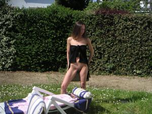 Худая француженка в разном белье и без оного - фото #47