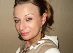 Хорошая грудь приятной блондинки - фото #3