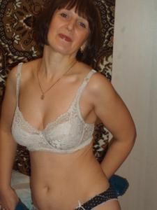 Зрелая жена в баньке и не в баньке - фото #11