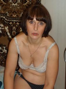 Зрелая жена в баньке и не в баньке - фото #9