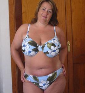 Зрелые женщины загорают голыми - фото #12