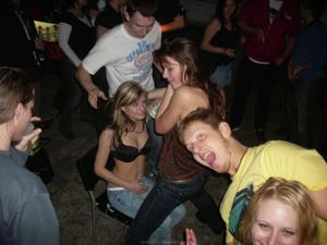 Хорошая вечеринка и конкурсы прикольные - фото #25