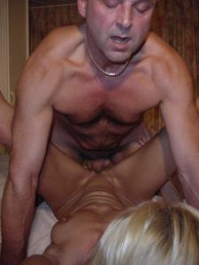 Взрослая пара занимается сексом - фото #13