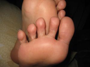 Обкончал жене пальцы ног - фото #11