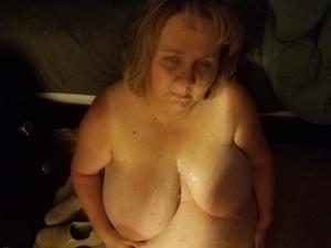 Очень жирная баба хочет