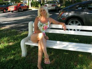 Зрелая Ленна в бикини и без - фото #17