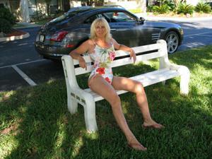 Зрелая Ленна в бикини и без - фото #20