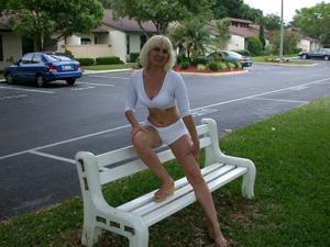 Зрелая Ленна в бикини и без - фото #23