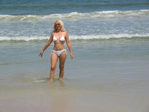 Зрелая Ленна в бикини и без - фото #26