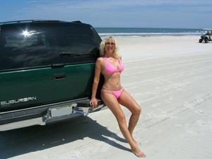 Зрелая Ленна в бикини и без - фото #28