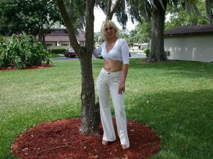 Зрелая Ленна в бикини и без - фото #3