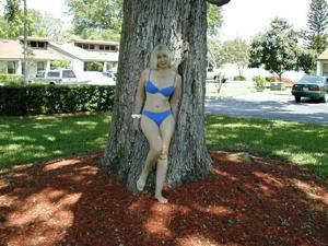 Зрелая Ленна в бикини и без - фото #38