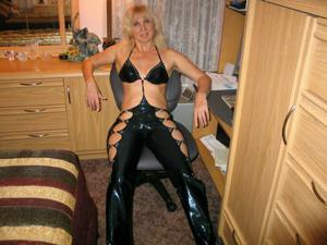 Зрелая Ленна в бикини и без - фото #7
