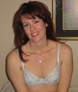 Высокая женщина с небольшой грудью - фото #1