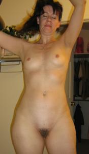 Высокая женщина с небольшой грудью - фото #16