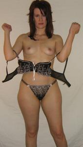 Высокая женщина с небольшой грудью - фото #18