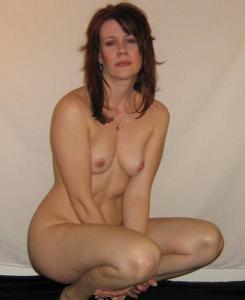 Высокая женщина с небольшой грудью - фото #28