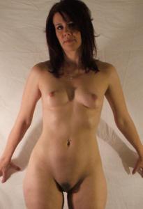 Высокая женщина с небольшой грудью - фото #30