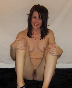Высокая женщина с небольшой грудью - фото #32