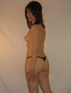 Высокая женщина с небольшой грудью - фото #36