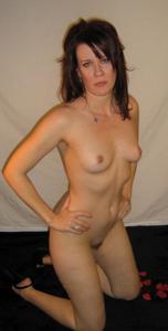 Высокая женщина с небольшой грудью - фото #41