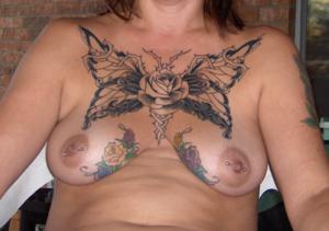 Татуированные пизды и сиськи - фото #1