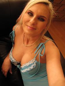 Селфи классной блондинки - фото #2