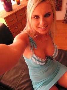 Селфи классной блондинки - фото #31