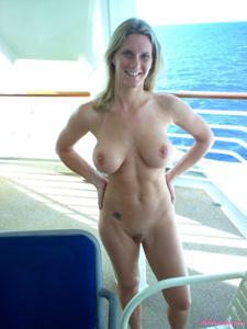 В медовый месяц на яхте - фото #1
