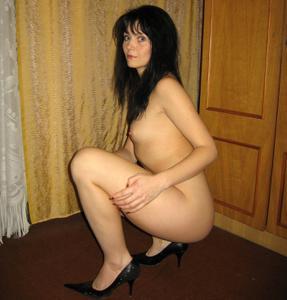 Брюнетка к сексу готова - фото #43