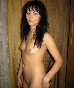 Брюнетка к сексу готова - фото #48