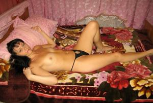 Брюнетка к сексу готова - фото #5