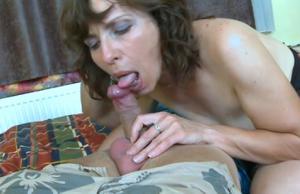 Женщина с пустыми сиськами сосет и ебется - фото #6