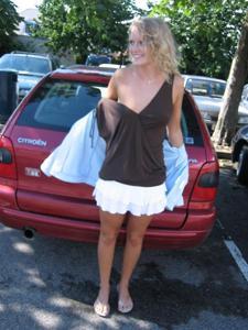 Милая блонда часто позирует голышом - фото #11