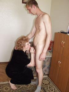 Старухи с молодыми любовниками - фото #21