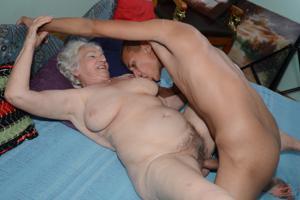 Старухи с молодыми любовниками - фото #27
