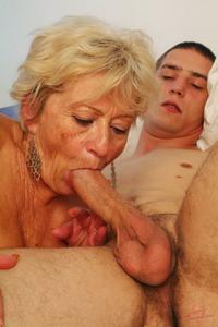 Старухи с молодыми любовниками - фото #42