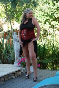 Старая секс бомба Анджела - фото #13