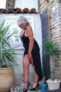 Старая секс бомба Анджела - фото #17