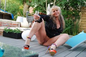 Старая секс бомба Анджела - фото #24