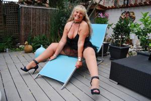 Старая секс бомба Анджела - фото #30