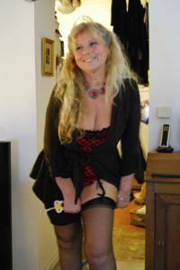 Старая секс бомба Анджела - фото #46